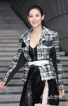 Claudia Kim, Korean Actresses, In Hollywood, Cloths, Asian Girl, Actors, Celebrities, Girls, Movies