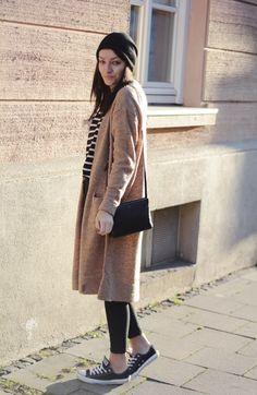Blogger Style: Antonia (AmazedMag): camel knit cardigan x striped shirt x skinny jeans x converse chucks x beanie x céline trio bag