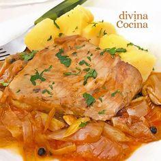 Este atún a la marinera es un plato sabroso y casero que se prepara en pocos minutos y siempre sale bien. Lo puedes preparar con atún en lomos o troceado.