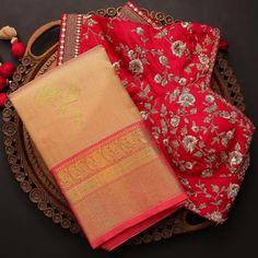 Cotton Saree Blouse Designs, Wedding Saree Blouse Designs, Saree Wedding, Simple Saree Designs, Fancy Blouse Designs, Latest Silk Sarees, Blouse Designs Catalogue, Saree Floral, Traditional Silk Saree