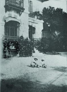 Scottie Fitzgerald and Honoria Murphy Villa Saint Louis 1926  Copywrite - all rights reserved
