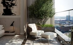 Previously the preserve of the world's major financial institutions,Canary Wharf is slowly but surely upping its residential offering. 'It's dynamic by the water and there's the convenience of living and working in the same place,' explains Paul Willi...