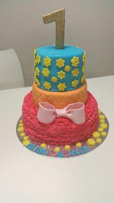 Bow cake Ma Baker, Bow Cakes, Birthday Cake, Bows, Desserts, Birthday Cakes, Bowties, Deserts, Bow
