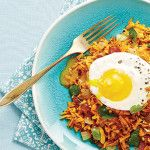 Sweet Potato Hash with Sunny ?Side Up Eggs - This classic breakfast dish is reimagined to be healthy but still satisfying. Clean Eating Meal Plan, Clean Eating Breakfast, Breakfast Time, Breakfast Ideas, Breakfast Recipes, Dinner Recipes, Sunny Side Up Eggs Recipe, Clean Eating Recipes, Healthy Eating
