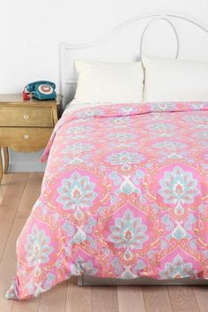 "Urban Outfitters ""Floral Medallion"" Duvet Cover Full / Double - Pink Bedding"
