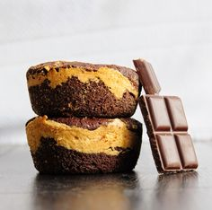 Chocolate Peanut Butter Mini Cakes