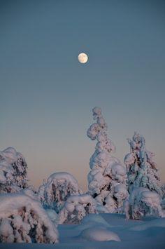 Moon Rise at Sunset – Kaunispää, Saariselkä, Lapland, Finland – February 14th, 2011