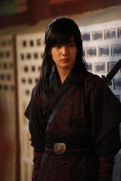 Yoo Seung Ho - Warrior Baek Dong Soo