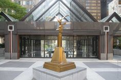 Winged Form (Richard Hunt) 200 E Randolph St., Aon Center Plaza [North concourse of the Amoco Building] Chicago Sculpture, Richard Hunt, Colleen Moore, Buckingham Fountain, Fairytale Castle, My Kind Of Town, Outdoor Sculpture, Boat Tours, Sky High