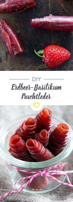 Gesünder naschen - Pürierte Erdbeeren und Basilikum trocknen im Ofen zu leckerem Fruchtleder und lassen sich prima unterwegs snacken.