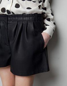 Short effetto pelle ,Pantaloni - Donna,marca : Zara