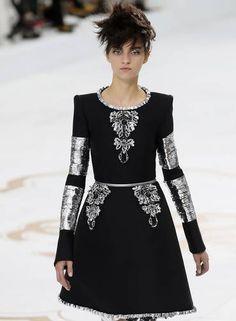 O inverno 2015 couture da Chanel Foto: PATRICK KOVARIK / AFP