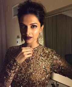 Buy Deepika's Earring in Jumkey.com