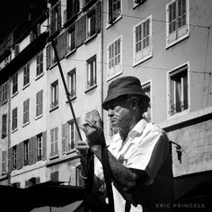#smellofmarseille . #marseille #biancoenero #blackandwhitephotography #blackandwhite #streetphotography #streetphoto  #bnw #igersbnw #marseillerebelle #massalia #instamarseille #igersfrance #igersmarseille #planetemars #laviesurmars #marseillecartepostale #choosemarseille #marseille_focus_on #bnw_marseillecity #IC_bw #IC_bwportraits #bnw_demand #noir_shots #everybodystreet