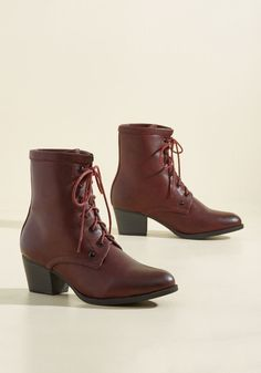 If these burgundy boots appeal to you like we think they will, rock 'em! Blissing you out with their warmly padded shafts, deep red laces, and faux-stacked heels, this faux-leather pair will come to represent all that you love in a style. Suede Ankle Boots, Lace Up Boots, Heeled Boots, Shoe Boots, Burgundy Boots, Vintage Boots, Duck Boots, New Shoes, Women's Shoes