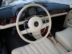 mercedes w115 interior