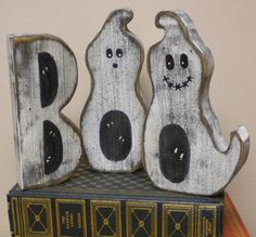 The Boo Block Letter Ghosts. Measurements at largest points are approximately 6 H x 4 W, made from 1 thick pine. Intended for Decorative Use. Its that time of the year when Ghosts and . Primitive Halloween Decor, Halloween Wood Crafts, Halloween Signs, Primitive Crafts, Halloween Ghosts, Holidays Halloween, Fall Crafts, Halloween Crafts, Holiday Crafts