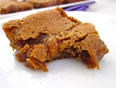 Cinnamon Caramel Swirl Bars via the Food Charlatan