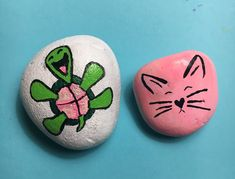 Painted garden rocks, painted rocks craft, painted stones, pebble p Painted Garden Rocks, Painted Rocks Craft, Hand Painted Rocks, Turtle Painted Rocks, Painted Stones, Rock Painting Patterns, Rock Painting Ideas Easy, Rock Painting Designs, Pebble Painting