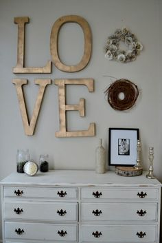 "I love the gold ""love"" wall decor."