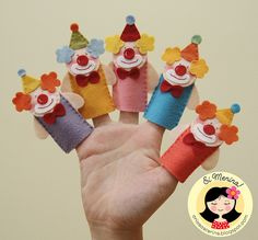 cute clown finger puppets for a circus page Felt Puppets, Felt Finger Puppets, Hand Puppets, Puppet Crafts, Felt Crafts, Fabric Crafts, Crafts For Kids, Circus Theme, Circus Party