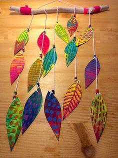 Les ateliers ARTiFun - atelier d'arts plastiques et loisirs créatifs en Guadeloupe Diy Home Crafts, Crafts To Do, Crafts For Kids, Arts And Crafts, Shading Techniques, Art Techniques, Atelier D Art, Mobile Art, Process Art