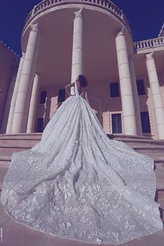 10 DROOL-WORTHY WEDDING IMAGES Weddings are dime a dozen and to better make you look forward of your very own, we have rounded up some of the most lovely wedding images for you to drool on!