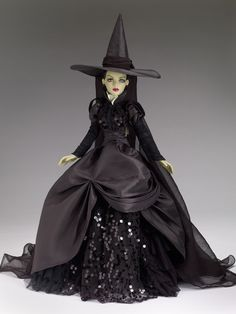 Wicked Witch of the West 75 Anniversary Wizard of Oz Pop Culture Tonner Doll Company New Wizard Of Oz, Wizard Of Oz Dolls, Witch Dolls, Barbie Gowns, Barbie Clothes, Barbie Costumes, Barbie Doll, Barbie Halloween, Manequin