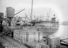"""1917 - Quais de Bordeaux (cargo l'""""Europe"""") : photographie de presse / Agence Rol"""