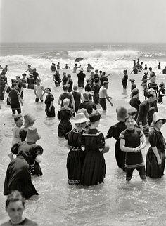 1910 Atlantic City - Love the vintage suits!
