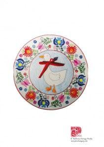 Letölthető ötletek | Piros Hungary Easter Crafts, Techno, Decorative Plates, Nap, Creative, Techno Music