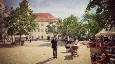 Antikmarkt am Schloss  #himmel #sommer #trödelmarkt  #streetphoto #ig_europe #ig_germany #ig_today  #ig_street #bestphotooftheday #sachsenanhalt #germany #instagram
