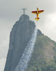 A Russian photographer's perfectly-timed shot in Rio.