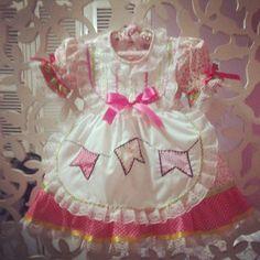 Vestido #saojoao para as pequeninas de meses a 1 ano arrasarem no arraiá junino.