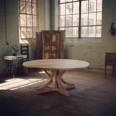 Custom 72 Inch Round Table Made From Antique Pine Made By Mobili Farm Tables