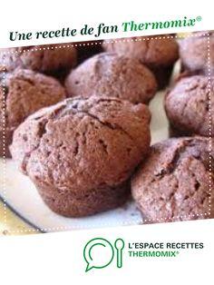Muffins tout chocolat par Elodie FAVRE. Une recette de fan à retrouver dans la catégorie Pâtisseries sucrées sur www.espace-recettes.fr, de Thermomix<sup>®</sup>. Cupcake Thermomix, Thermomix Desserts, Muffins, Sponge Cake, Biscuits, Raisin, Cake Pops, Fondant, Icing