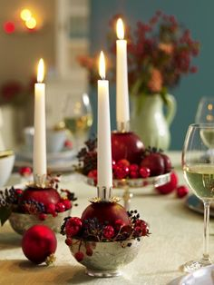 28 festive Christmas dinner table decorations and easy DIY Ideas , Christmas Party Table, Christmas Table Settings, Christmas Table Decorations, Christmas Candles, Decoration Table, Red Christmas, All Things Christmas, Christmas Time, Christmas Crafts