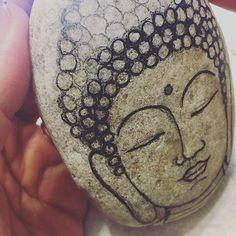Working... #etsy #etsyseller #cool #stoneart #stonepainting #paintedstones #paintedstonesofinstagram #painting #working #artwork #makingart #buddha #boho #buddhalove #lovetopaint #etsyartist #artist #painter