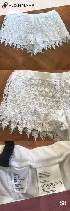 H & M lace shorts No flaws. Size Medium H&M Shorts