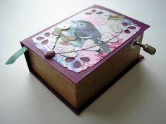Royal bird music box
