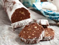 Chocolate Salame Recipe: an Italian sweet dessert perfect as an Easter or any time treat. Get the recipe to make this Italian Chocolate Salami. Chocolate Icing, Chocolate Cream, Melting Chocolate, Chocolates, Portuguese Recipes, Portuguese Food, Mini Desserts, Everyday Food, Biscotti