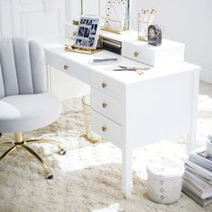 Auburn Desk Desk Hutch Set #pbteen Home Office Space, Home Office Design, Home Office Decor, Home Decor, White Desk Furniture, Office Furniture, Home Music, Teen Desk, White Desks