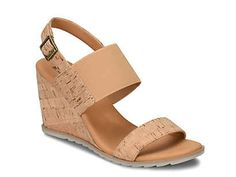 Korks-Kasdan Wedge Sandal Korks shows off style and comfort in the Kasdan sandal. With a stretchy fabric strap and cork design, these wedges are the perfect addition to your warm-weather ensembles. Black Wedge Sandals, Black Wedges, Vintage Jeans, Shoe Boots, Women's Shoes, Shoe Collection, Your Shoes, Other Accessories, Warm Weather