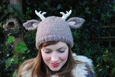 deer with little antlers hat KNITTING PATTERN  @Amanda Snelson Snelson Nelson, will you make this for me?! lol