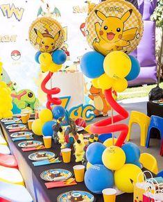 Ideen für Pokemon Go Centerpieces - Pokémon Party - Pokemon Pokemon Themed Party, Pokemon Birthday Cake, Pikachu, Pokemon Go, Pokemon Games, Pokemon Party Decorations, Birthday Party Decorations, Birthday Crafts, Pokemon Torte