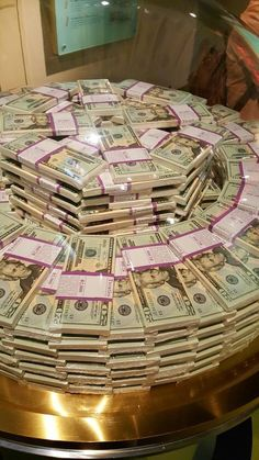 My money private museum in my own house only! Cash Money, Mo Money, Way To Make Money, Make Money Online, Money Shop, Money On My Mind, Dollar Money, Money Pictures, Saving Money