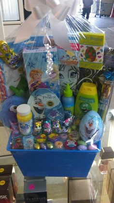 Frozen Easter Basket, Easter Baskets For Toddlers, Disney Frozen, Gift Baskets, Lip Balm, Avon, Bouquets, Children, Gifts