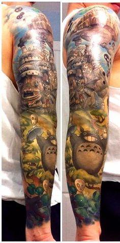 """""""En cuanto al tiempo en la silla, fueron alrededor de 32 horas de trabajo realizados en el curso del siguiente año y medio"""".   Este chico se hizo un tatuaje de Miyazaki y es mágico"""