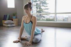 , The 10 Yoga Poses You Should Do Every Day To Feel Amazing: Pigeon Pose - Eka Pada Rajakapotasana. , Do These Yoga Poses Every Day Yoga Hip Stretches, Yoga Moves, Stretching, Yoga Exercises, Namaste, Daily Yoga Routine, Exercise Routines, Physical Therapy Exercises, Physical Exercise