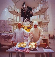 """Voyager's Golden Record was assembled by Carl Sagan and the album's """"earth sounds"""" included recordings of things like music, surf, animals, and foreign languages, as well as playing instructions for aliens. An American flag was also included in the capsule that contained the record."""